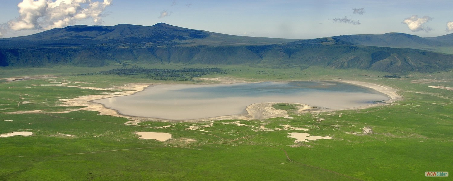 The largest un flooded and unbroken caldera in the world
